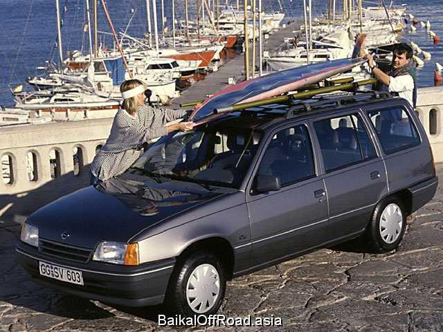 Opel Kadett Caravan 1.4 i (60Hp) (Механика)