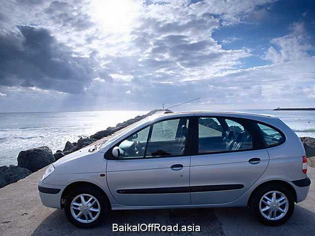Renault Megane Scenic 1.6 i (90Hp) (Автомат)