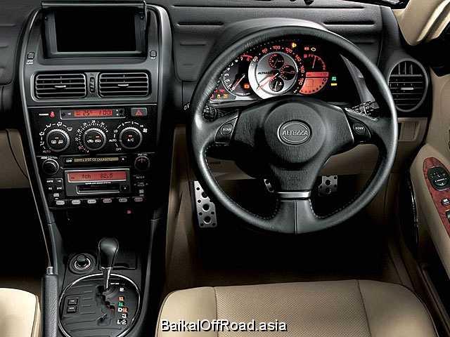 Toyota Altezza Gita 2.0 i 24V (160Hp) (Механика)