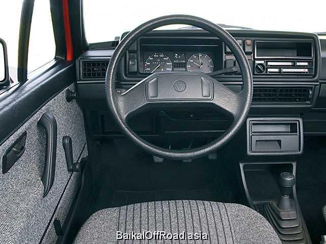 Volkswagen Golf 1.3 (55Hp) (Механика)