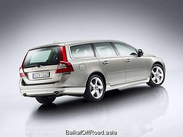 Volvo V70 2.5T (200Hp) (Механика)