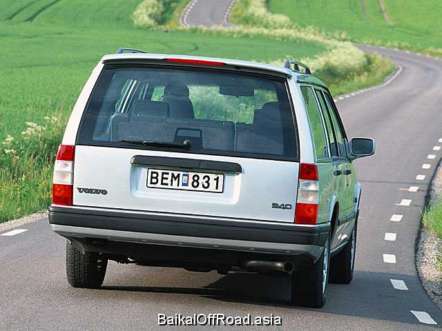 Volvo 940 Kombi 2.3 i 16V (155Hp) (Механика)