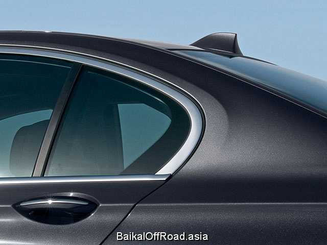 BMW 7 Series 750i  (407Hp) (Автомат)