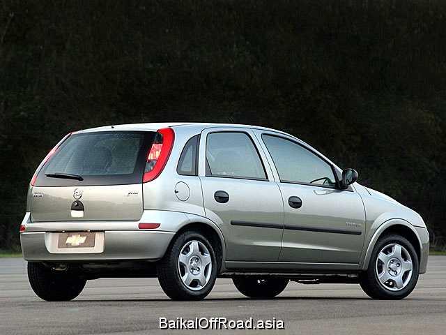 Chevrolet Corsa Combi 1.6 i 16V (101Hp) (Механика)