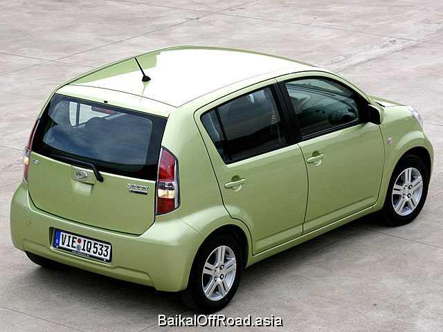 Daihatsu Sirion 1.3 i 4WD (87Hp) (Механика)