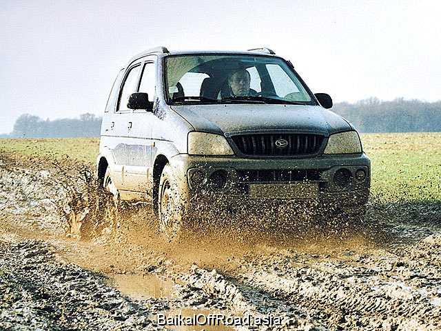 Daihatsu Terios 1.3 i 16V 4WD (86Hp) (Автомат)
