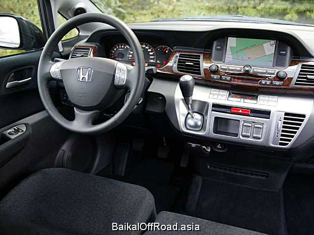 Honda FR-V 1.8 SOHC VTEC (140Hp) (Автомат)